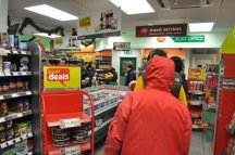 Queues in Spar, Crosspool, 1 December 2010