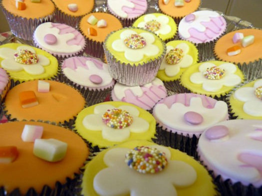 Lounge @ Crosspool cupcakes (photo used with permission)