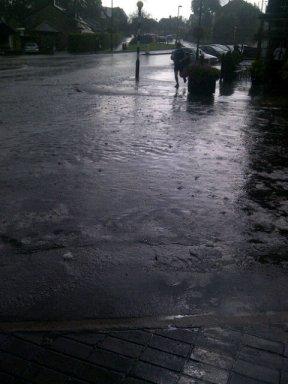 Rain causes flooding in Crosspool