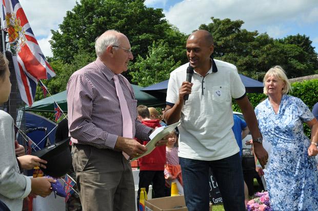 Ian Hague receives the award from Damian JohnsonIan Hague receives the award from Damian Johnson
