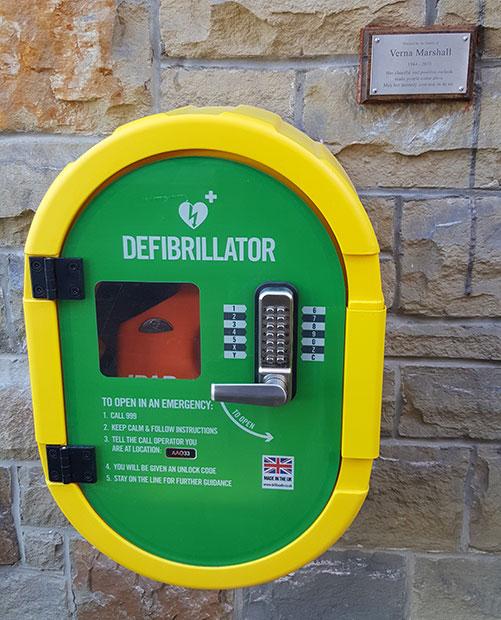 Crosspool defibrillator